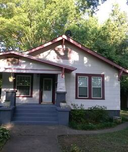 Arts & Crafts House - Greenville - House