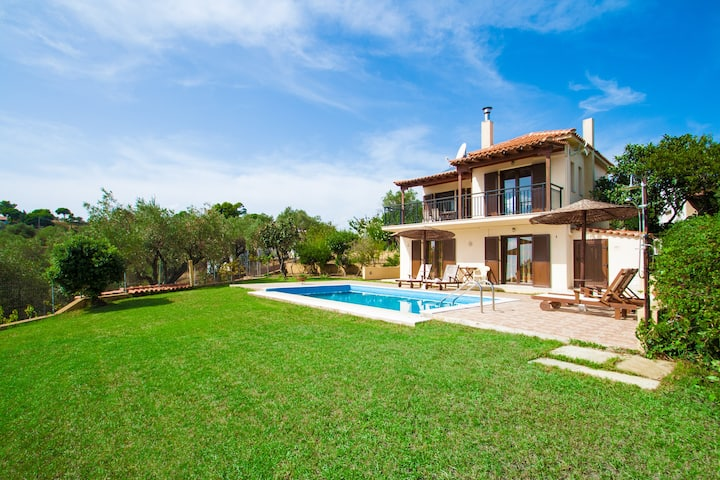 Villa Angela, 95 sqm, pool and 360o view