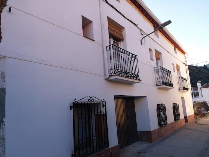 """Casa """"El tatarabuelo"""" (6 pax)"""