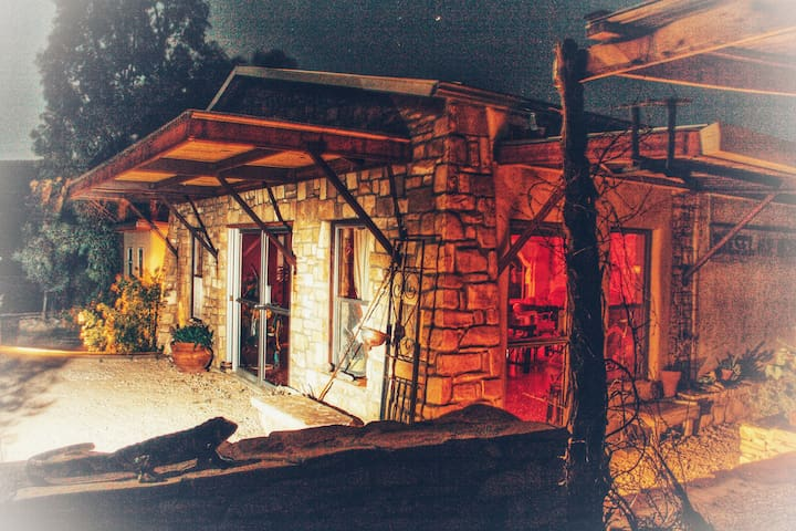 Casa Luna, Desert Retreat