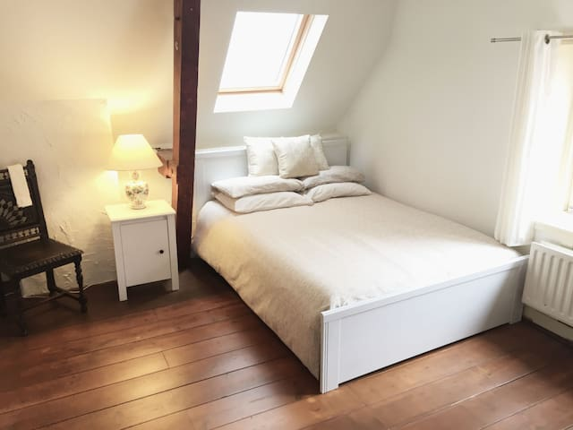 the garden bedroom