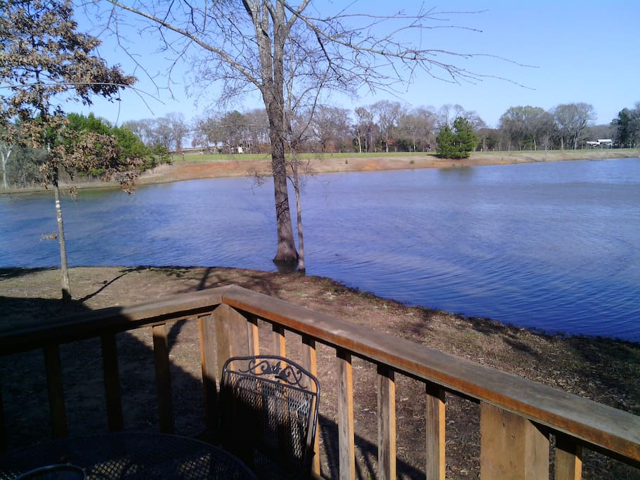 The Family Cabin is right on the water and Catch&Release fishing is allowed.