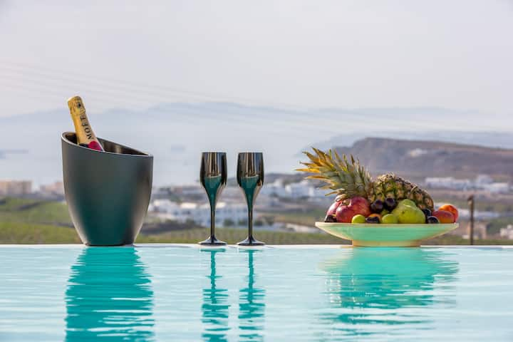 White Orchid Villa - Private Pool and Caldera view