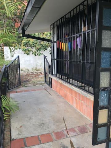 Habitación Studio privado para 2-3 personas.