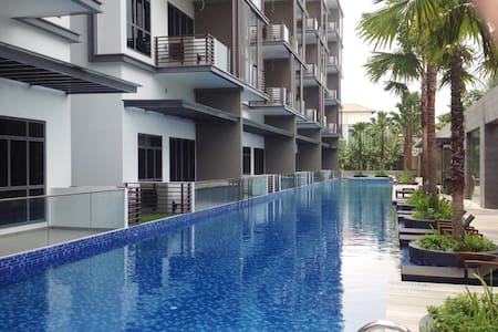 2 Bedroom Fully furnished apartment - Flora Drive