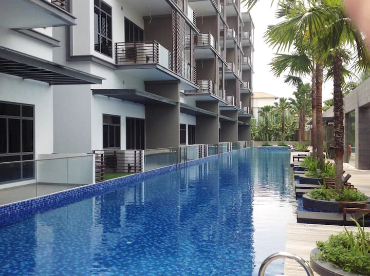 2 Bedroom Fully furnished apartment  (Flora Drive)