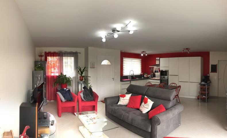 Maison 80 m2 avec terrasse - proche centre ville