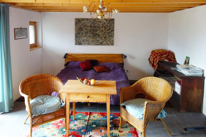 Quiet studio in charming old hamlet near Locarno