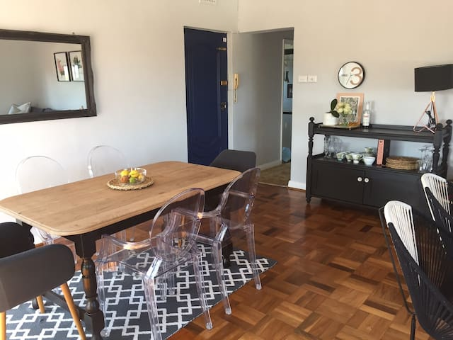 Modern and warm Morningside Apartment - Berea - Apartament