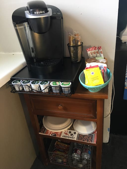 Keurig Coffee & Coffee maker. Make yourself a hot cup of tea or coco. Grab a Granola bar and water bottle before heading out for the day!