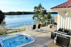 Lovely+place+at+Lake%2C+in+fantastic+nature