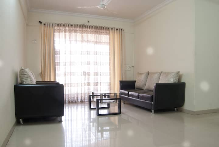 Fully Furnished 3bhk with Breakfast - Bandra East