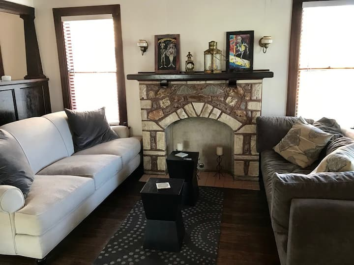 Private Room in Beautiful East Austin House