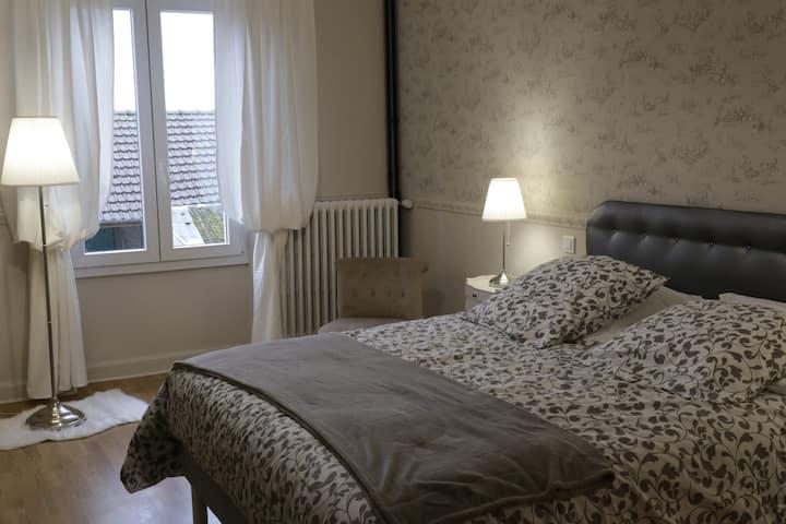 Chambre Jeannine,chambre table d'hôtes La Garence