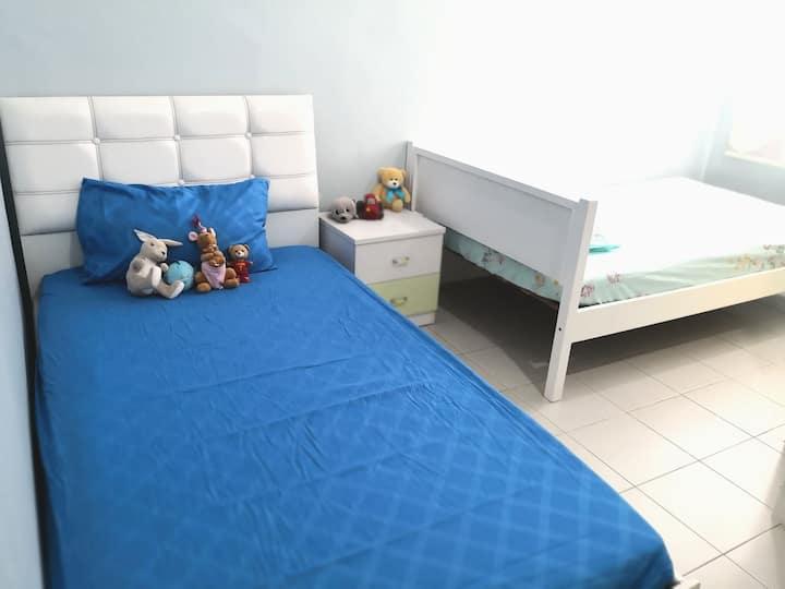 2 Super Single Beds @BlueRoom Bkt Chedang,Seremban