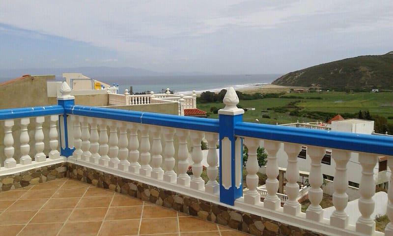 Spacieuse villa vue sur mer