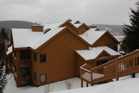E201 Snowpine Village Ski In/Out - Great Valley - Rumah