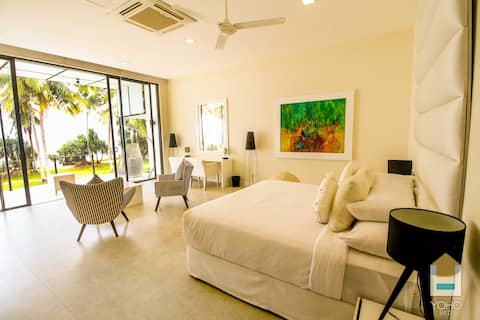 Luxury Private Villa by the Beach - 15% Off