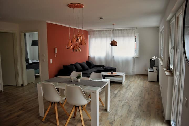 Luxury Flat near the Wood /Airport Stuttgart