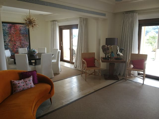 600 m2 serviced apartment in Sotogrande