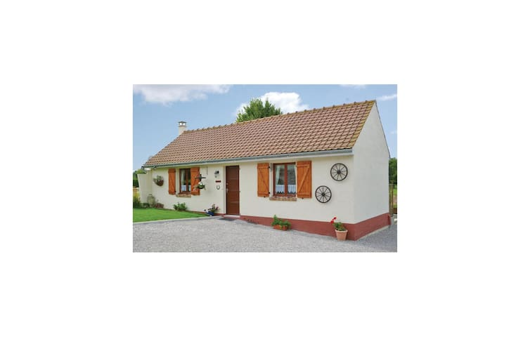 Holiday cottage with 1 bedroom on 40m² in Beauvois