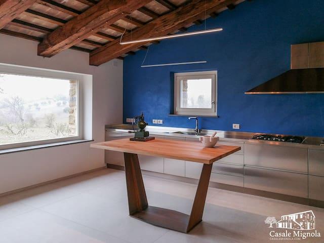 Casale Mignola un relax da sogno tra olivi e colline