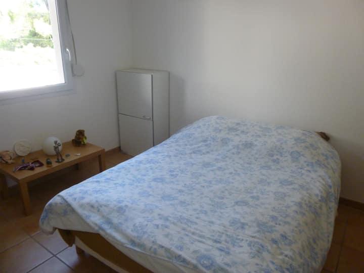 chambre privée dans résidence au calme