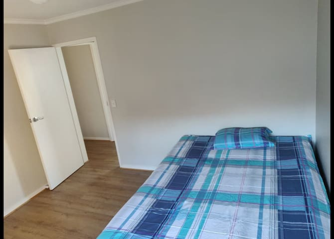 Private Furnished Room in 2 bedrooms house (Flat)
