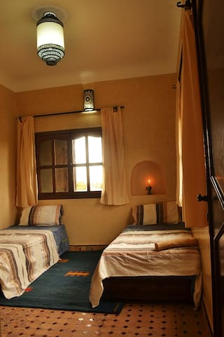 Riad paradise big calm farm house . - Aghmat - Bed & Breakfast