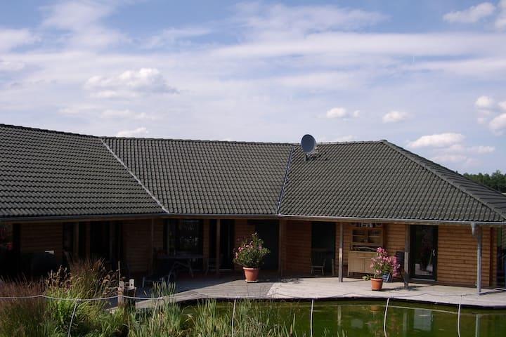 Gemütliches Zimmer im ländlichen Trausburg (3P)