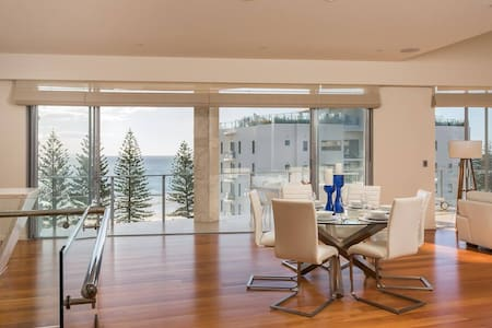 Rainbow Bay Penthouse Luxe