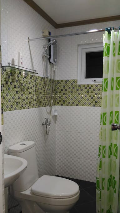 Toilet & Bath with Hot & Cold Shower