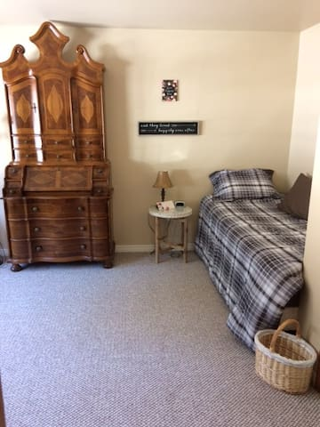Single bed in the Country view