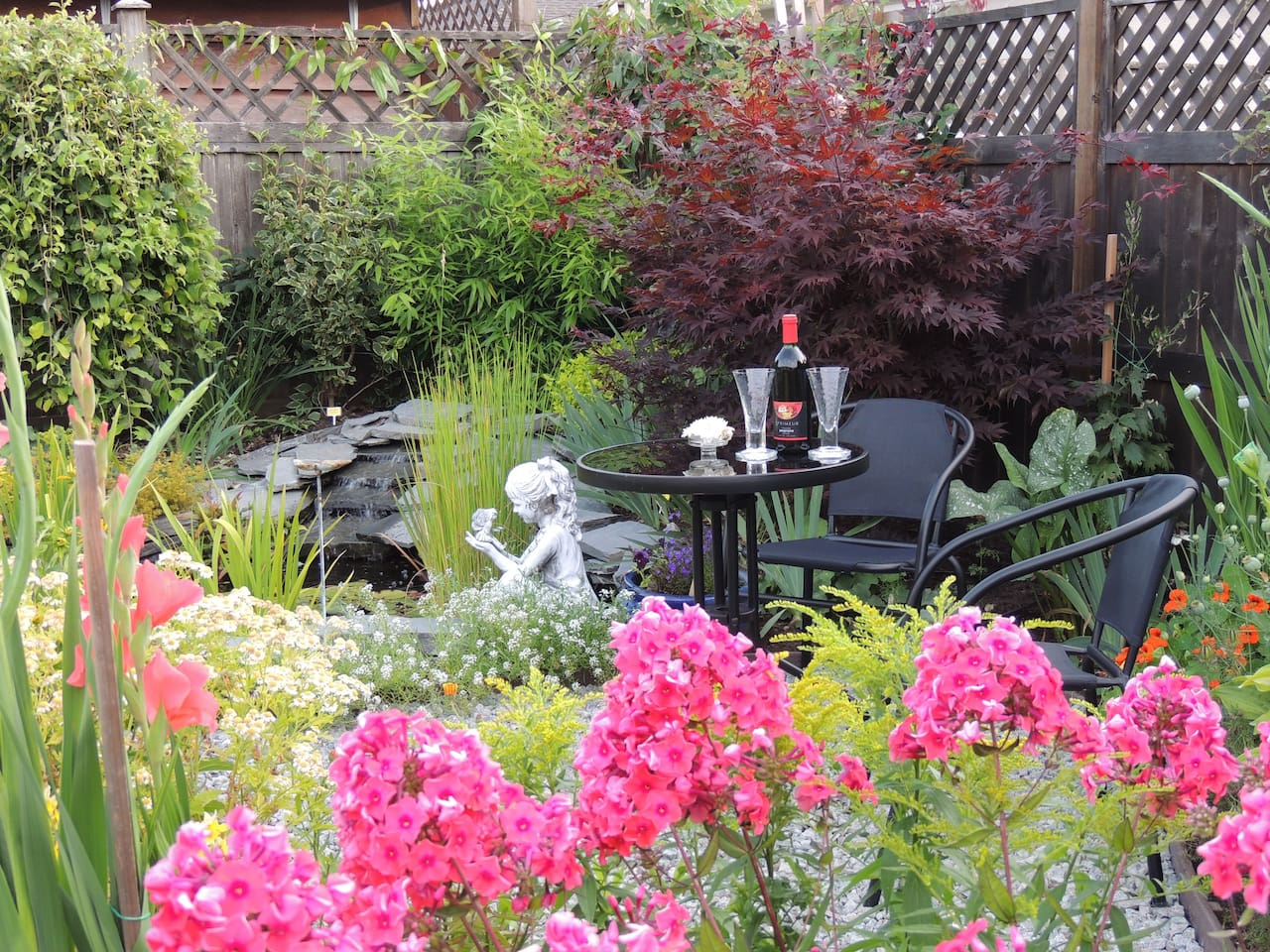 Gardeners Culinary Delight B & B - Bungalows for Rent in Qualicum ...