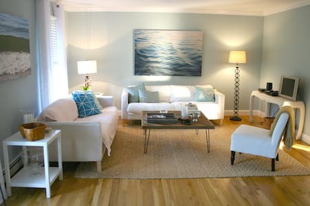 Immaculate Beach-Chic Home
