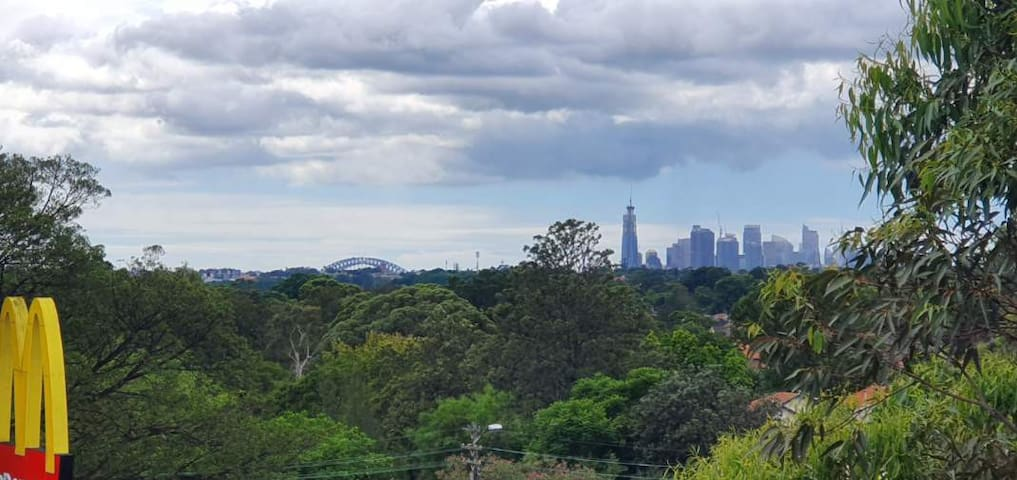 Peaceful garden apartment near beautiful Sydney!