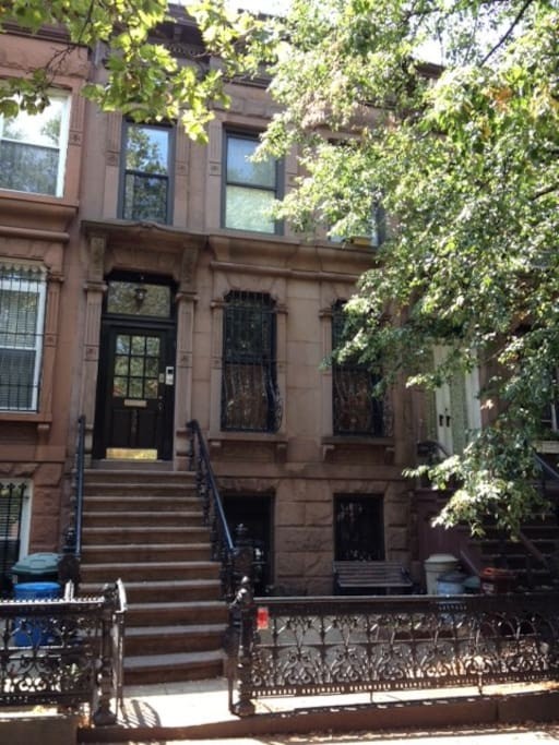 lovely brooklyn brownstone houses for rent in brooklyn new york united states. Black Bedroom Furniture Sets. Home Design Ideas