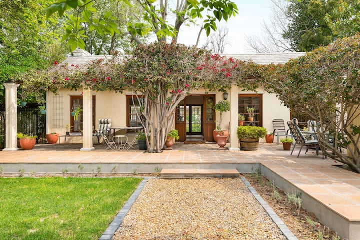 Lush 2-Bedroom Constantia Home with Pool