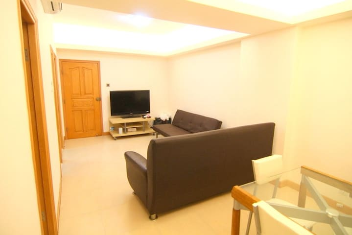 3 bedroom + 2 bathroom apt near MTR - Hong Kong - Rumah