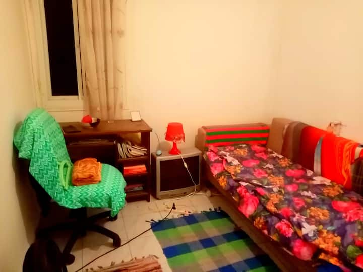 Room in quiet place, near  Technion and Univercity