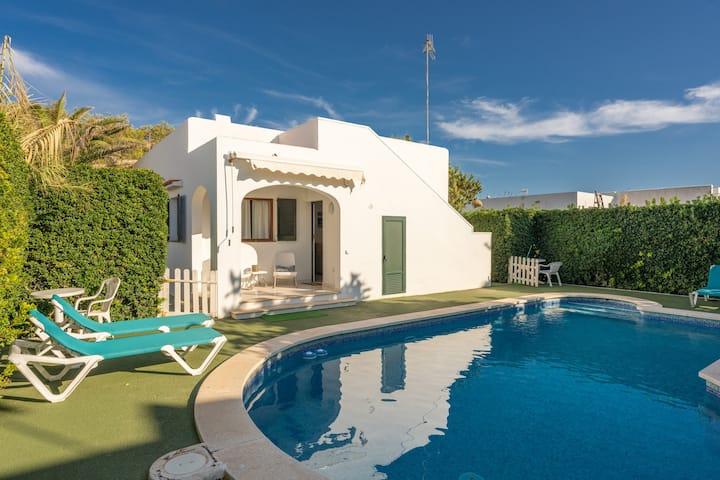 """Magnifique appartement de vacances """"Apartamento Delfín 2"""" avec piscine, terrasse et connexion WiFi ; parking disponible dans la rue"""