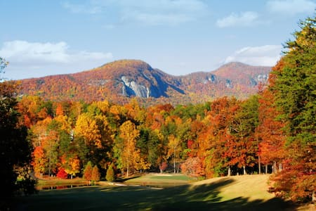 ★Mountain, Lake, Golf Resort for 8 ★Kayak Included