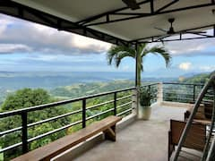 Cabin+in+the+Clouds+%281-BR+Bungalow+with+Loft%2BView%29