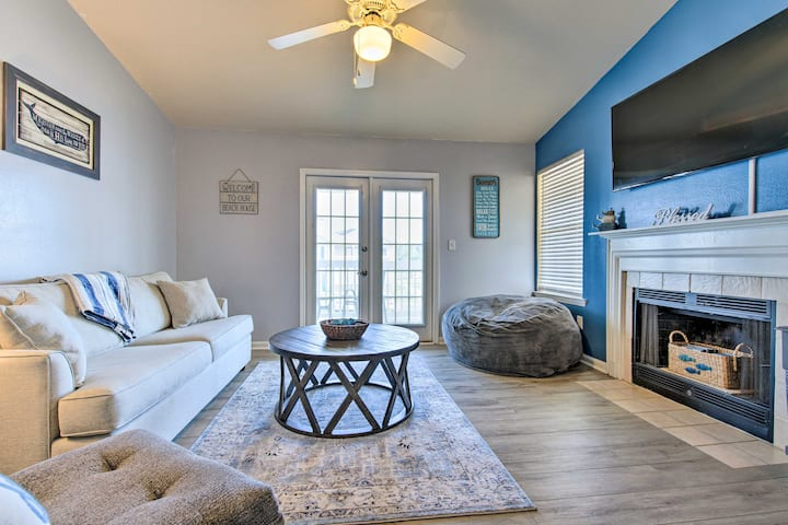 Gulf Shores Condo w/Pool Access, 5Mi to Beach