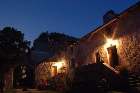 gite pour 2 personnes dans ferme biologique - Saint-Léons - Alojamento na natureza