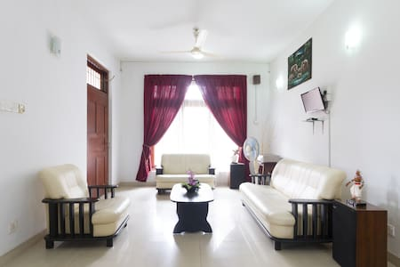 Blue Gum Hotel - Standard Room 2 - Ja-Ela - Bed & Breakfast