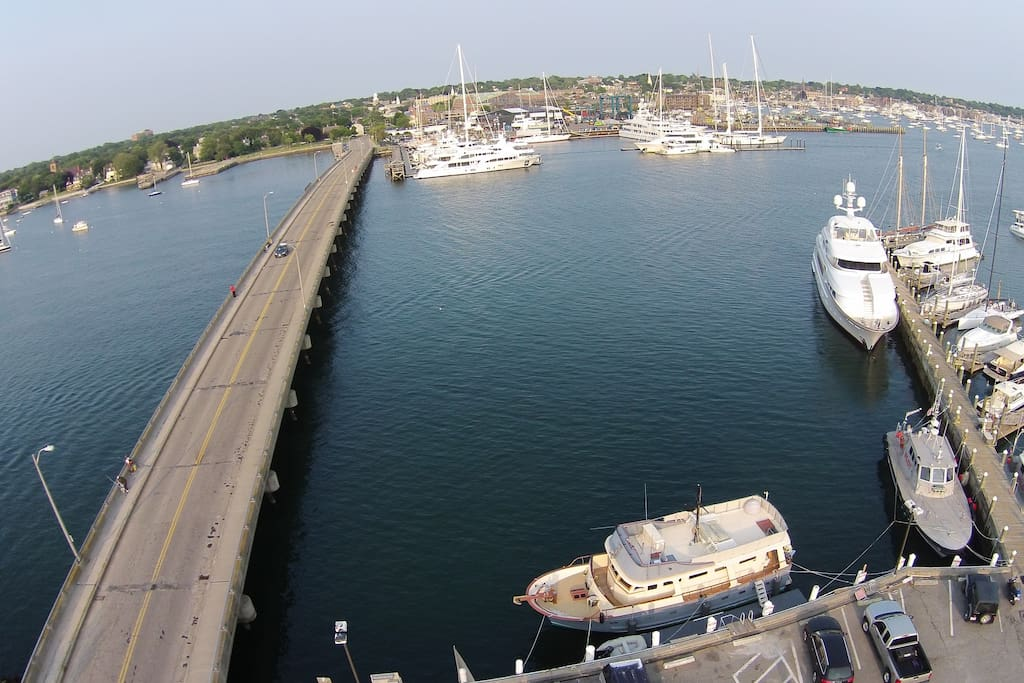 Choose the tranquility of being dockside on Goat Island, or cross the bridge to hustle & bustle of Downtown Newport