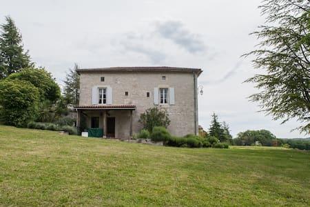 Domaine Lapeze Les Terrasses - Montcuq