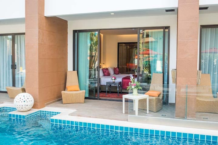 Deluxe Pool Access with Breakfast @Kata Beach - Karon - Bed & Breakfast