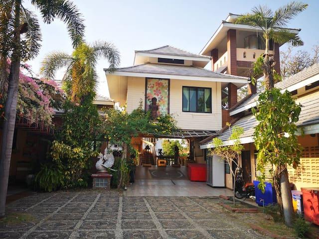 Lotus lanna style residence